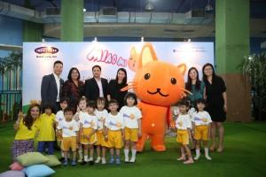 foto bersama perwakilan Celestial Tiger Entertainment, MNC Sky Vison, Mellisa Karim, anak-anak bersama icon Miao MI