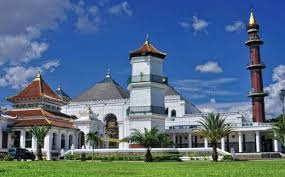 Masjid Agung Sultan Mahmud Badaruddin (sumber : www.diradio.net)