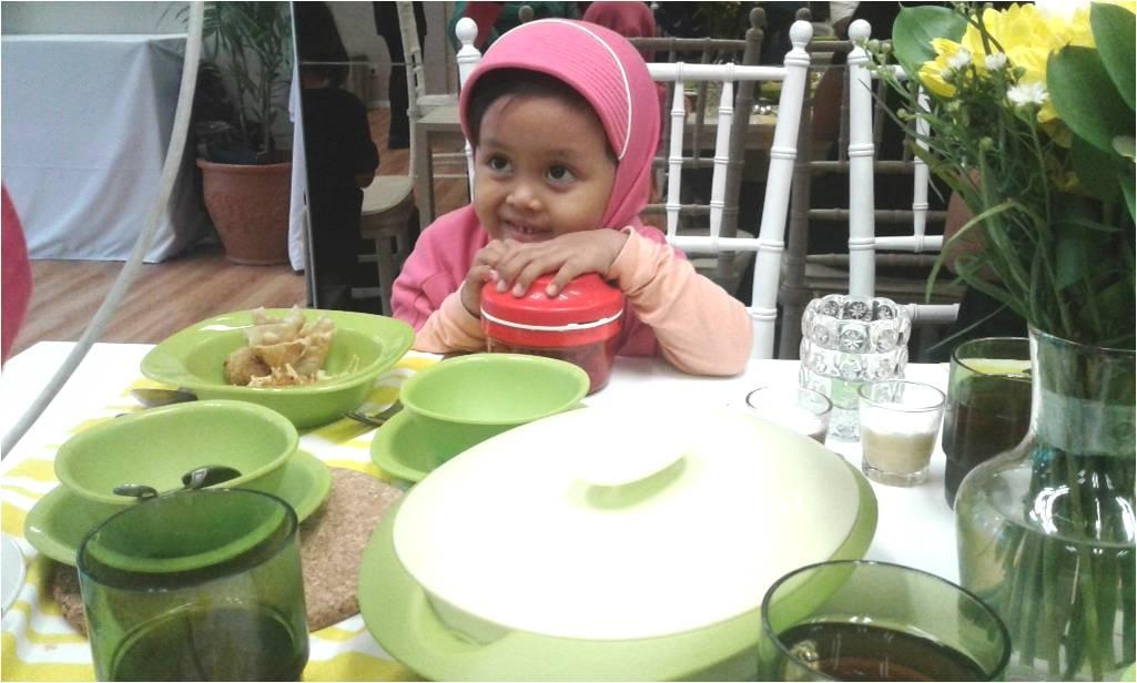 Cerita di meja makan