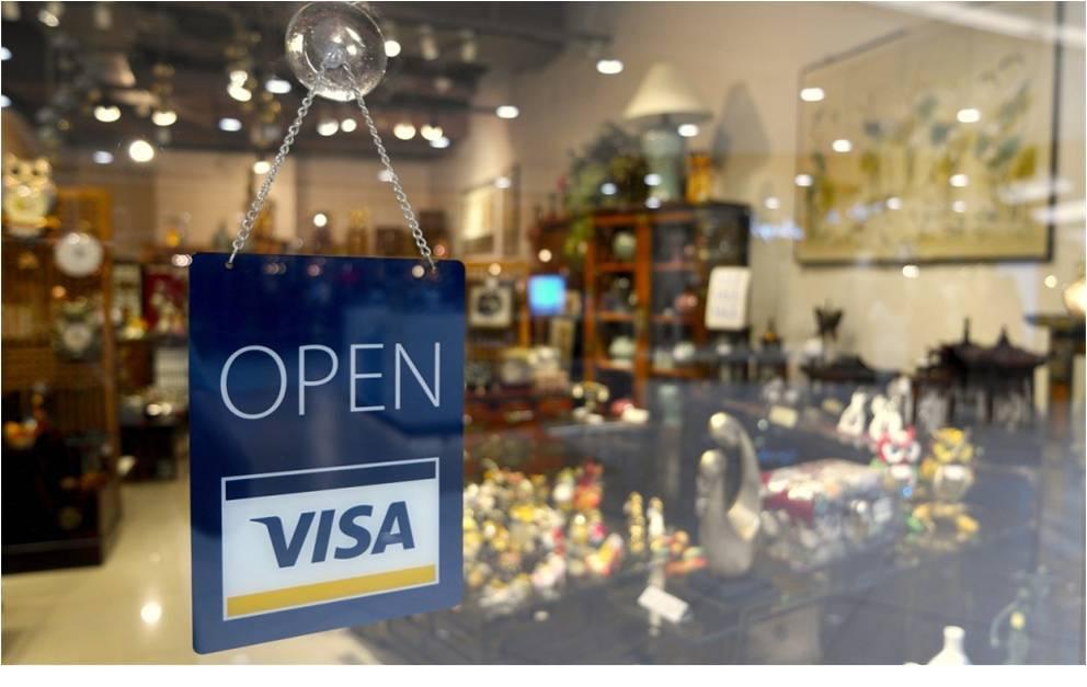 kartu kredit sebagai alat bayar di merchant yang berkerjasama
