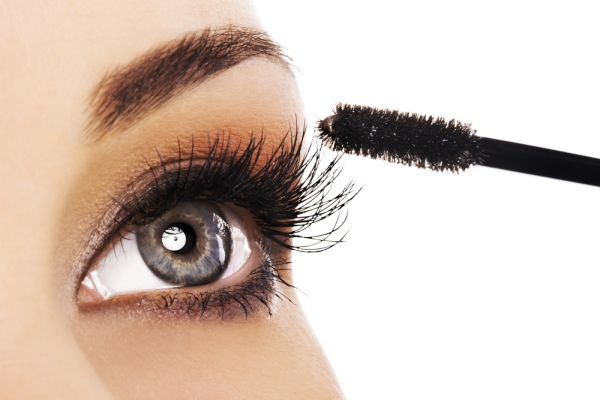 aplikasi maskara yang tepat hasilkanj bulu mata sempurna