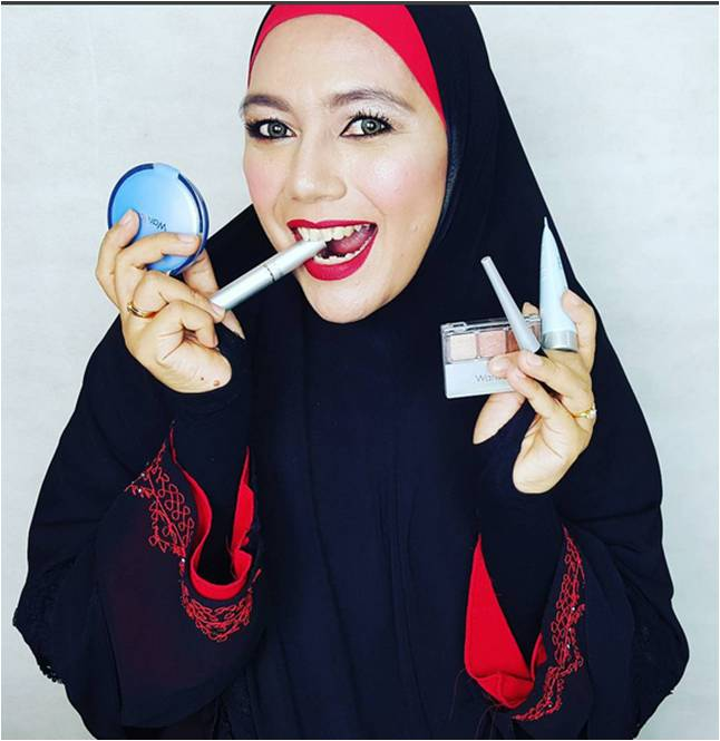 Yonna Kairupan and make up