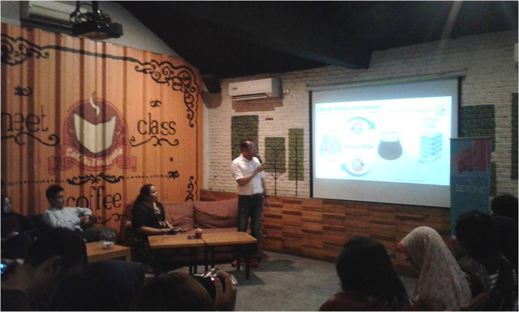 Fritz Ananda, Marketing Businnes PT AIA Financial dalam diskusi Blogging & Beyond