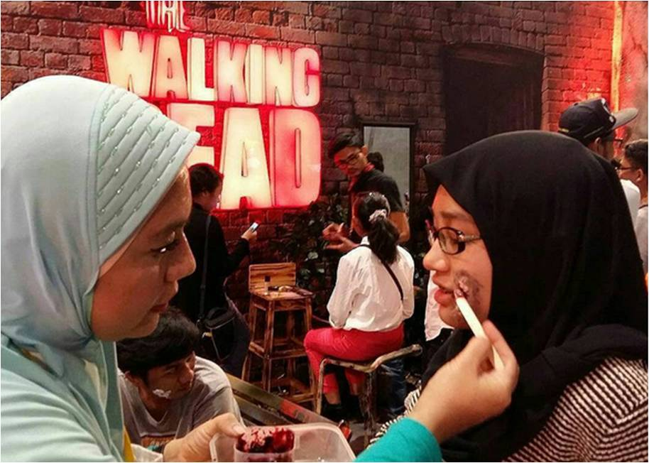 proses kreatif make up zombie yonna kairupan