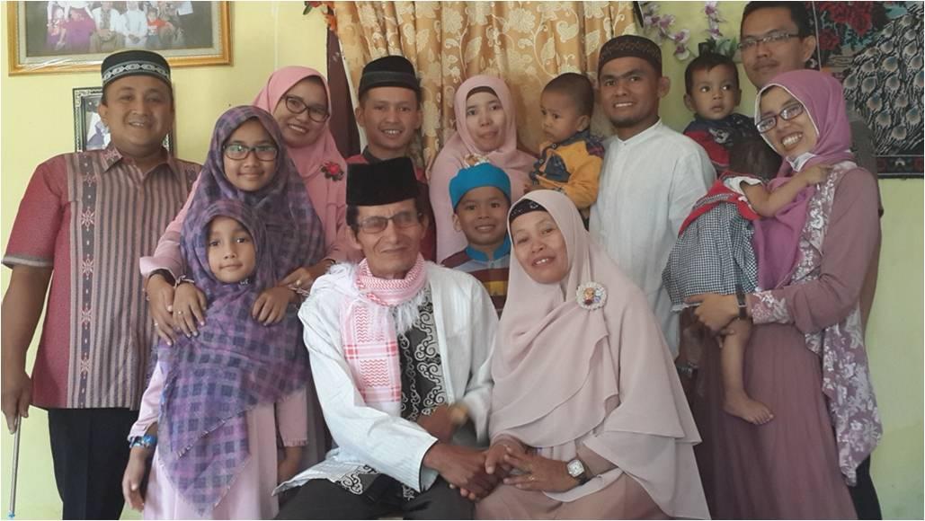 Foto Bersama dengan keluarga besar