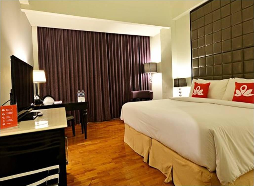 kamar bersih dan rapi ZenRooms Tandean