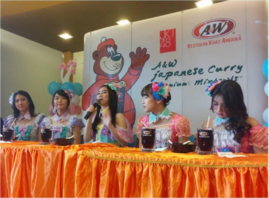 JKT48 saat peluncuran Japanese Curry Premium Mixbowls di A&W Cipete