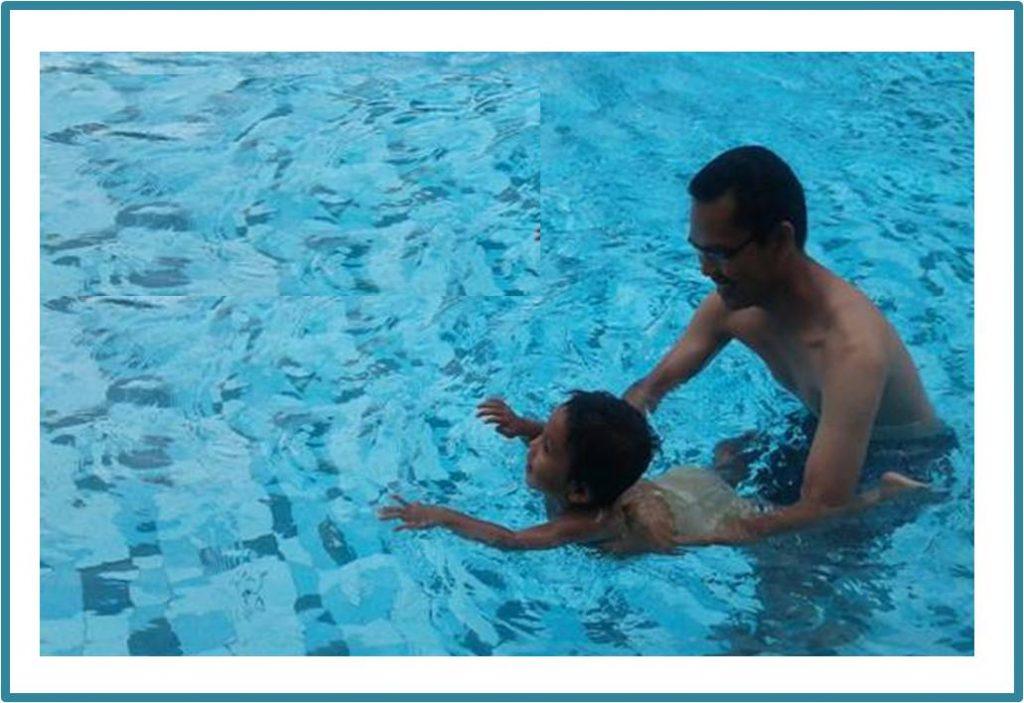 Bintang selalu antusias diajak berenang